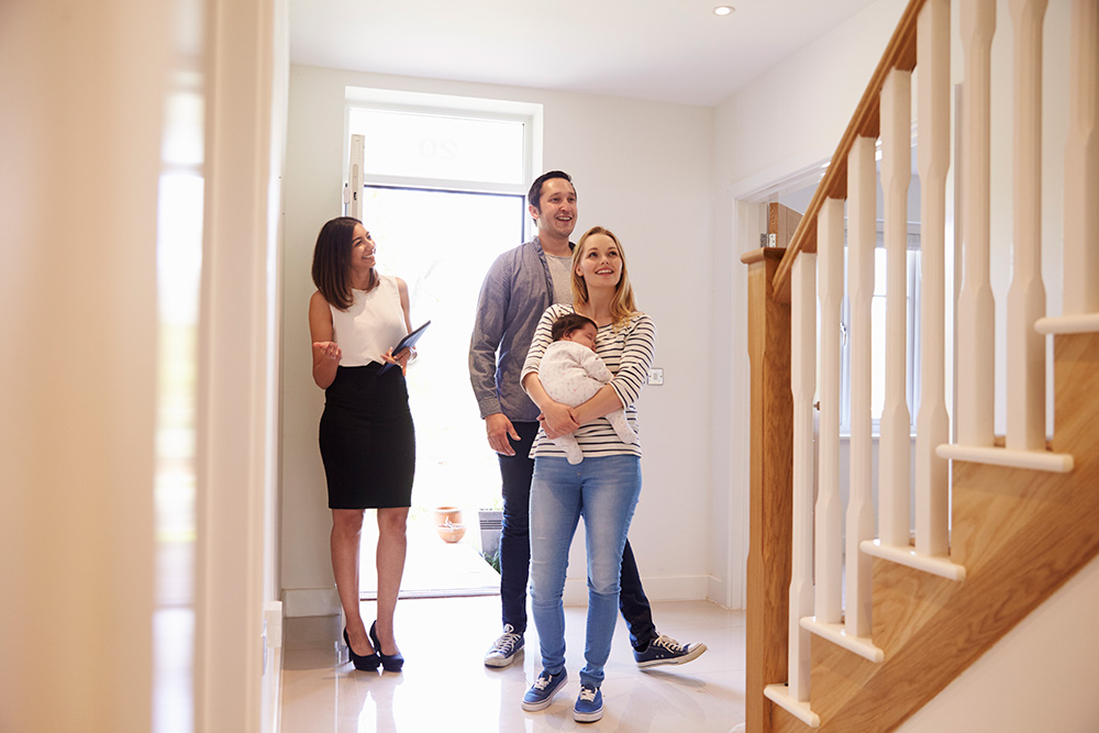 A family looking a home to buy during a buyer's market