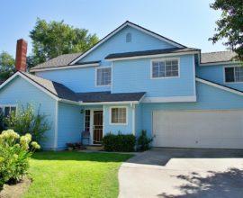 836 E Oakridge Ave, Visalia, CA 93292
