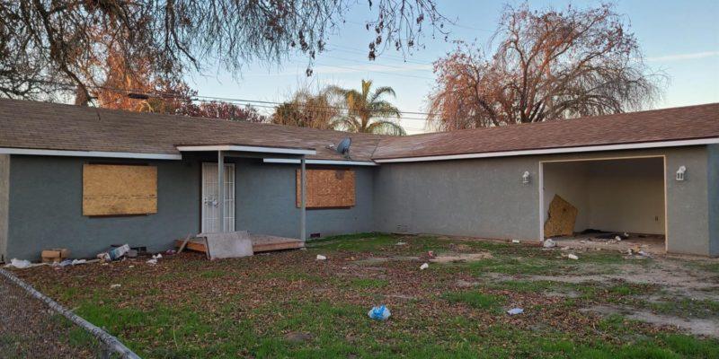 2246 E Floradora Ave, Fresno
